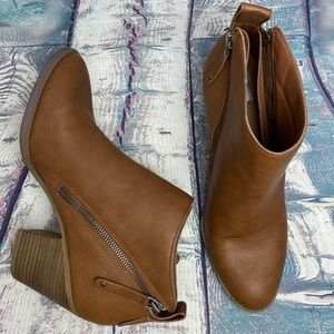 DV by DOLCE VITA Caramel Ankle Boots